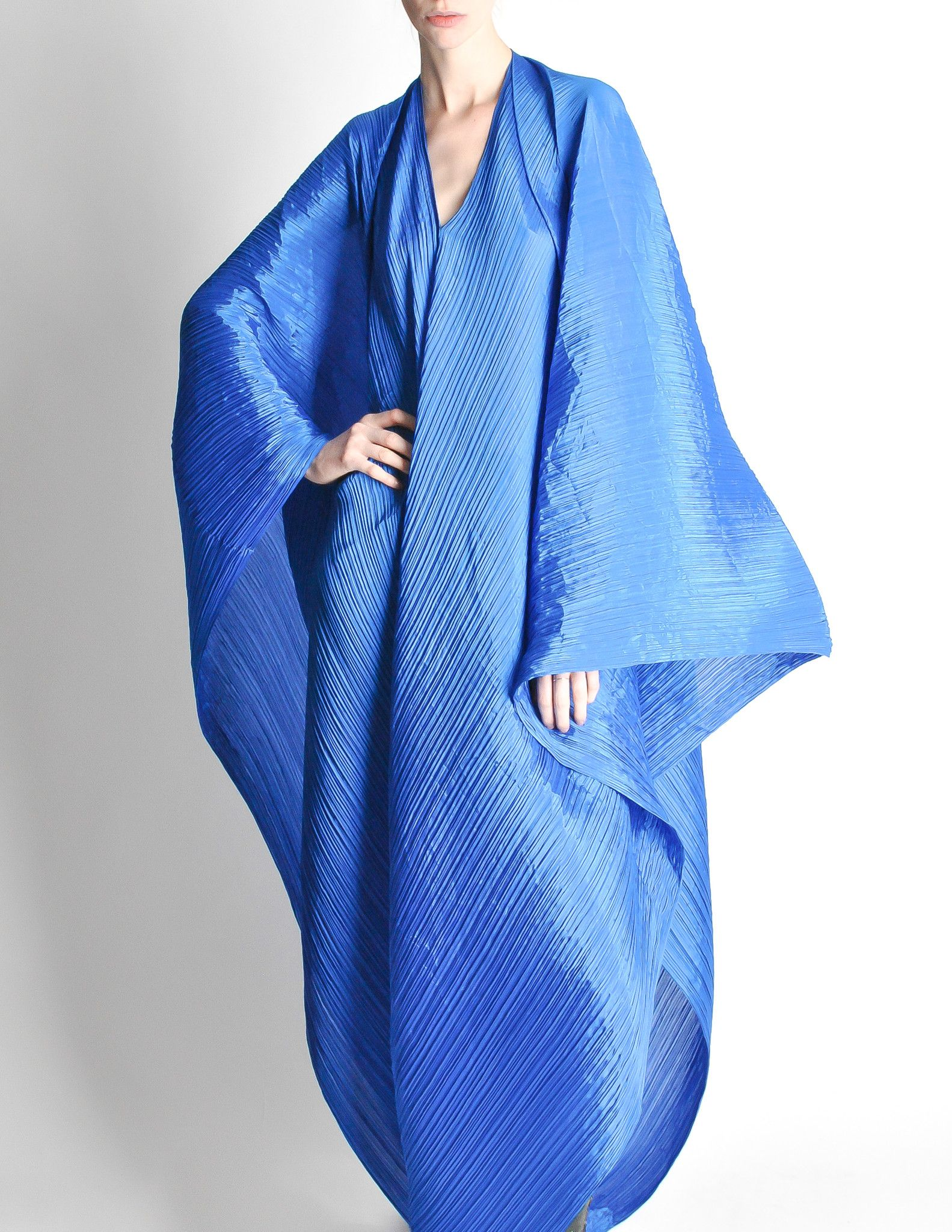 4e203d75f96e Jaw dropping vintage Pleats Please piece by Issey Miyake. The possibilities  are endless with this piece. An electric cobalt blue micro pleated fashion