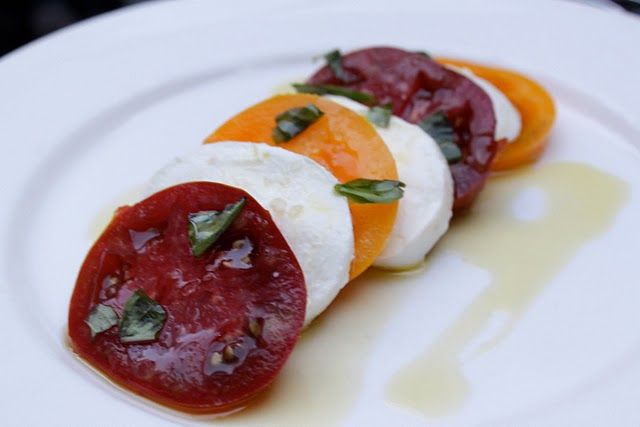 note to self: insalata caprese is even more deliciously summery when you add in a bit of yellow heirloom tomato