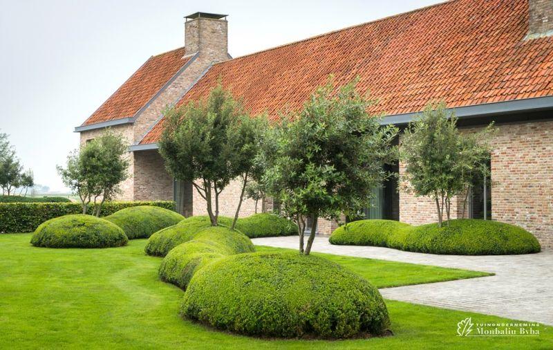 Aangelegde tuinen door tuinonderneming monbaliu landschapstuin rond zuienkerse polder hoeve - Moderne tuin ingang ...