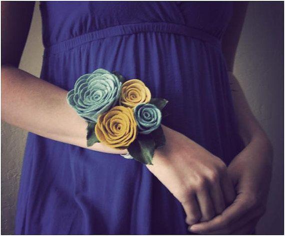 DIY Felt Flower Wrist Corsage For Bridesmaids