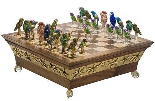 Parrot chess pieces
