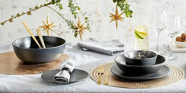 Modern christmas table setting kmart australia styling - Modern christmas table settings ideas ...