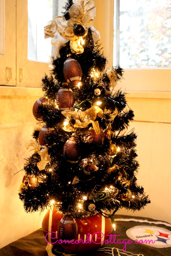 Pittsburgh Steelers Christmas Tree at www.Concordcottage.com ... 308557d9b