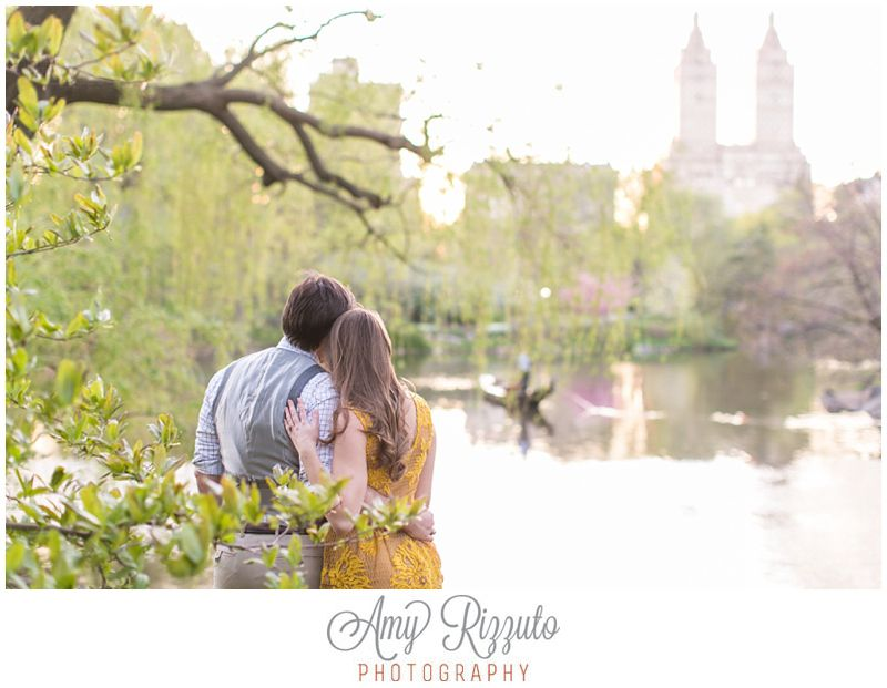 Central Park Engagement Photos   www.amyrizzutophotography.com
