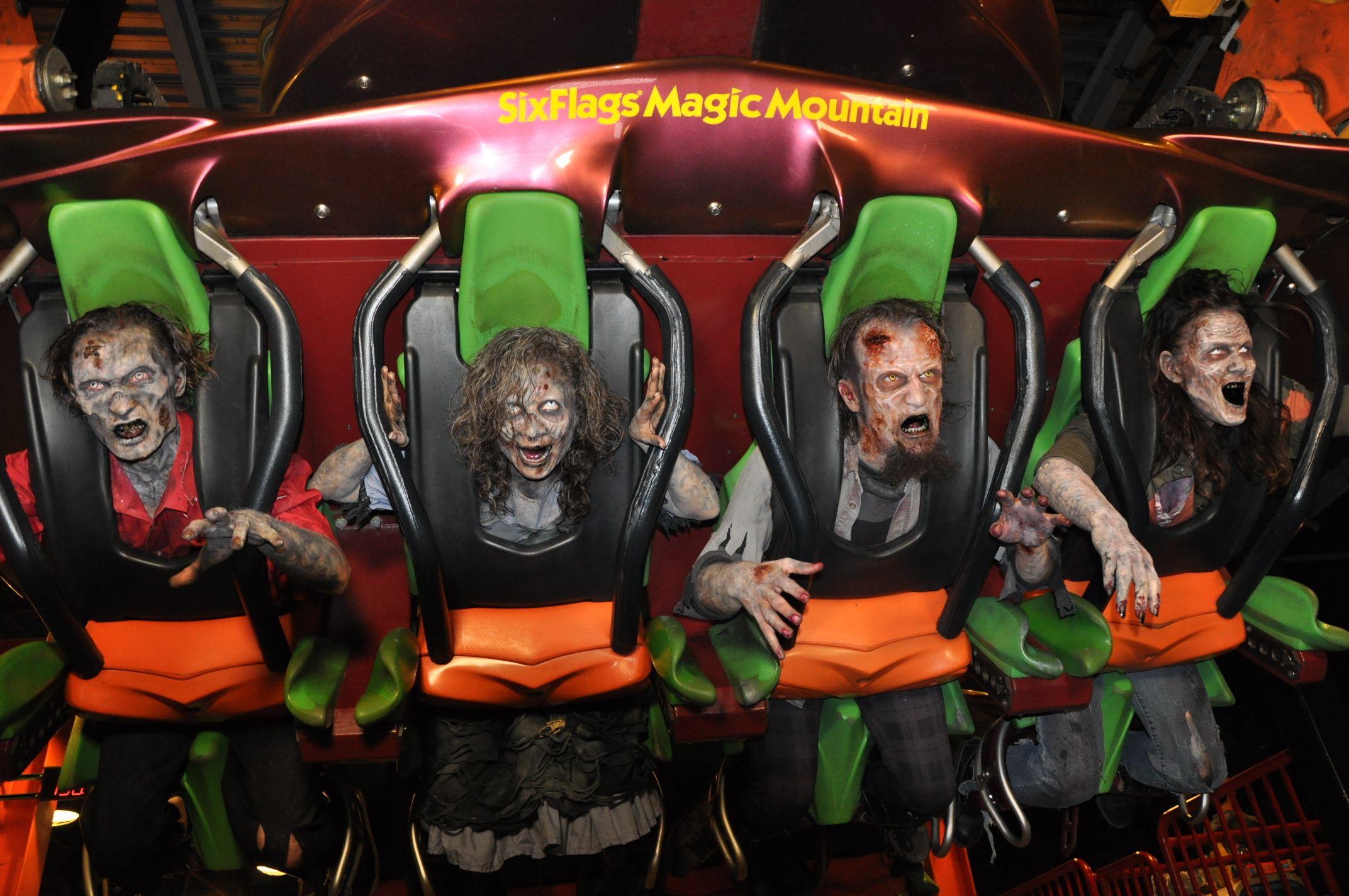 Six Flags Fright Fest Six Flags Flag Scary Clowns