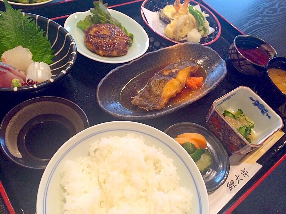 尾道に用事があり久々の鯉太郎 昼定食 増税で値段アップですがそれでも950円は嬉しいな #onomichi