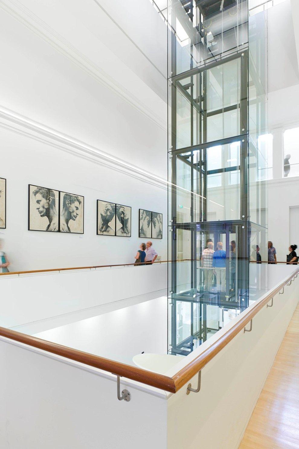Museum de Fundatie Zwolle, glazen lift tussen oud en nieuw - Bierman ...