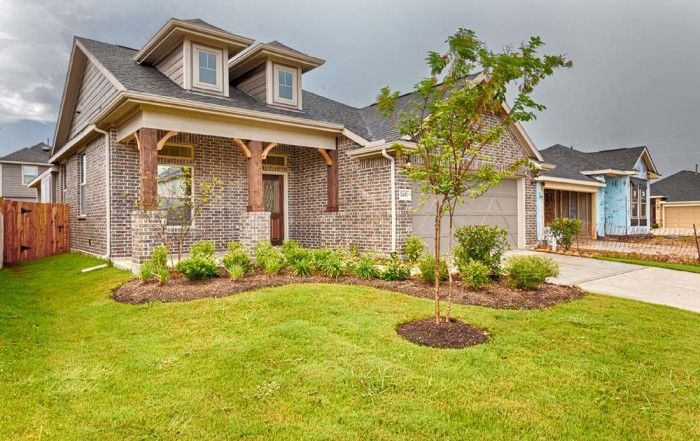 Welcome to Hunters Creek in the City of Baytown. The Bergen Plan-Houston, TX. #chesmarhomes