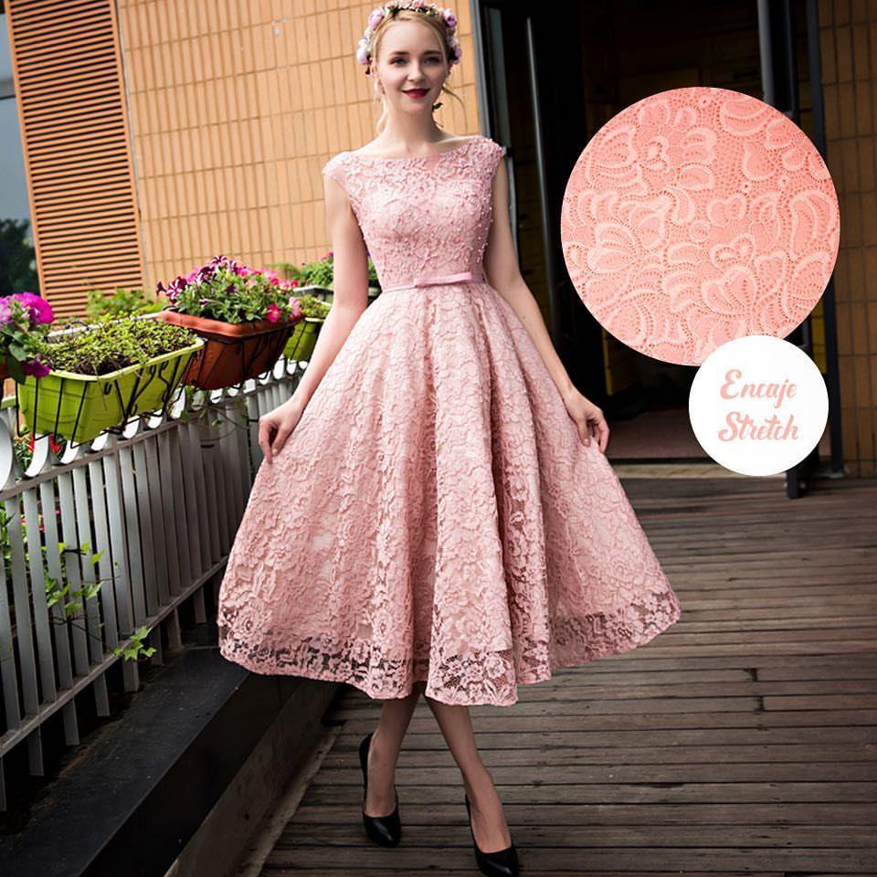 No hay manera de que un #vestido de #encaje no te haga sentir ...