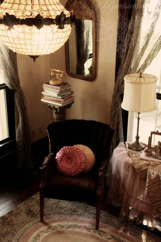 Romantic Homes Decorating: The Romantic And Whimsical Decorating Style?