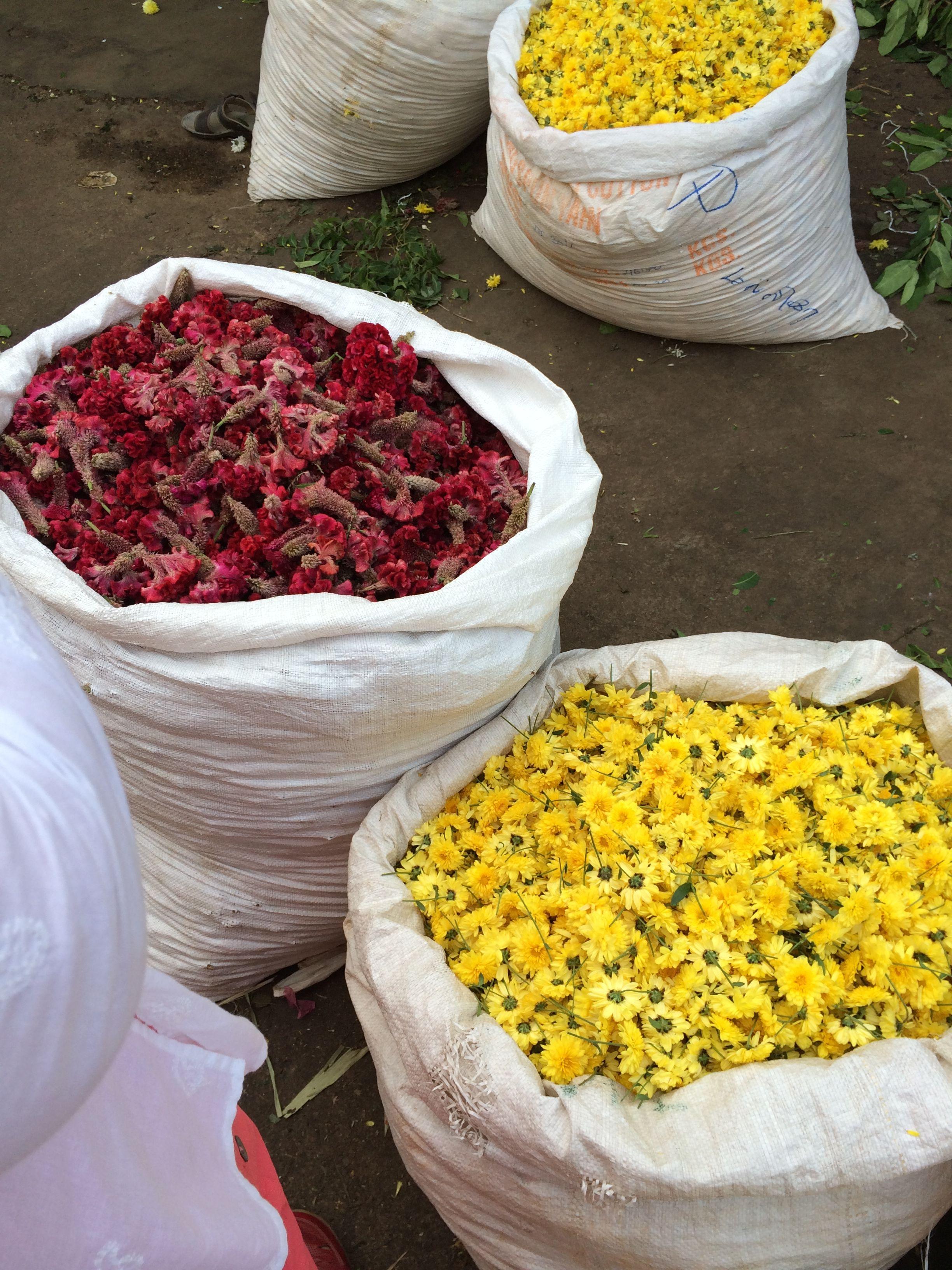 Selling Hindu Temple Flowers In Madurai Flower Market Flowers In