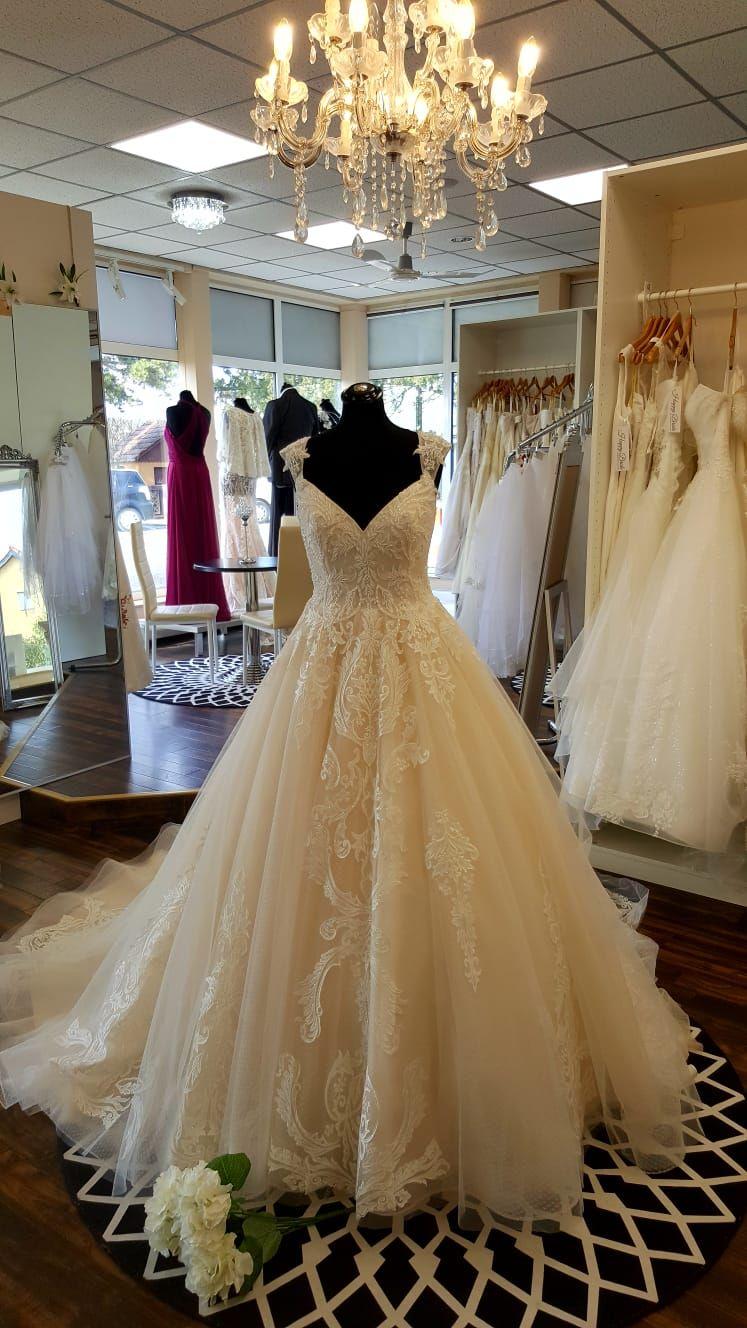 Exclusiv Weddingdresses Are Elegant Bridal Gowns For Brides Exclusivweddingdresses Lexington Wedding Dresses Wedding Dress Store Top Wedding Dresses