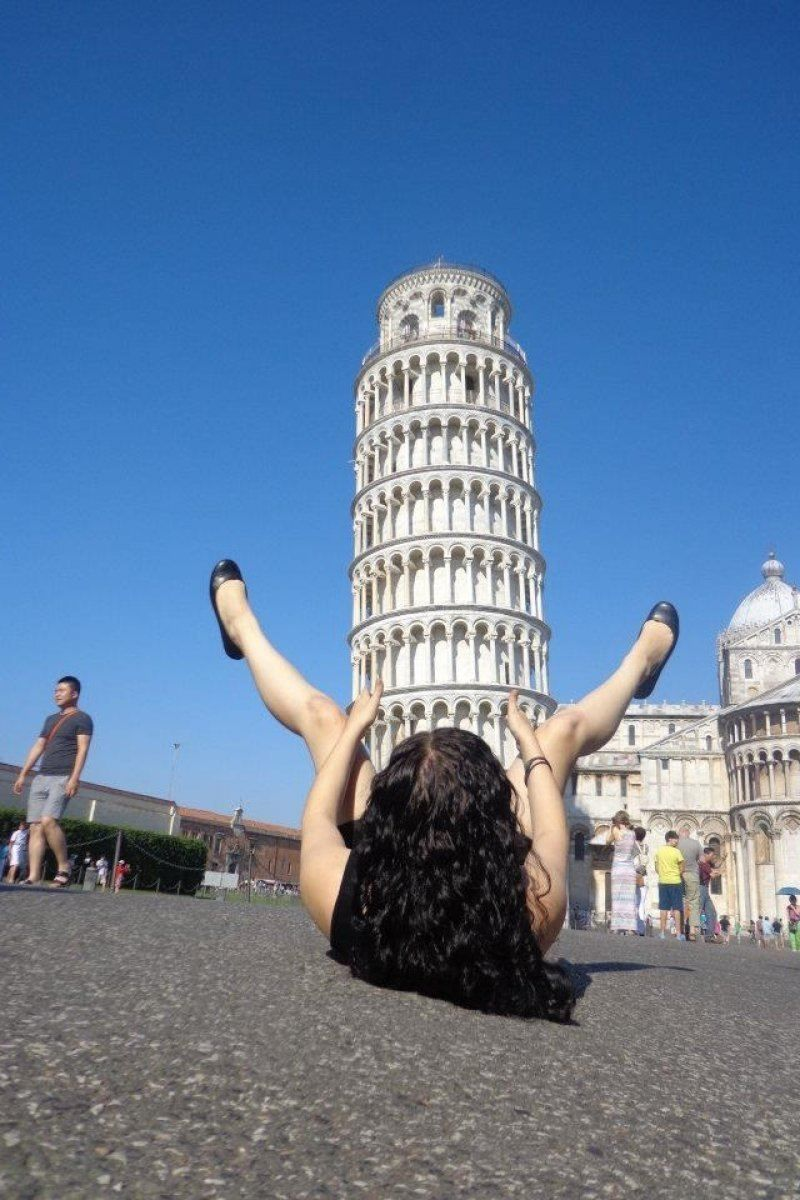The  Most Awesome Pictures Of Tourists Posing At The Leaning Tower Of Pisa Boredbug