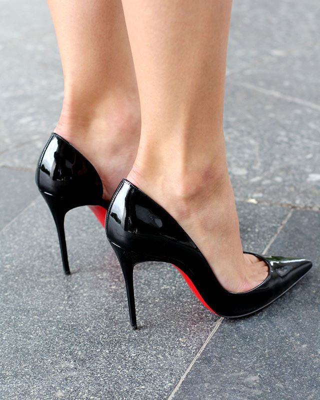 check-out a2f17 16b89 Photo by Louboutin Fan Page (@louboutininternational ...