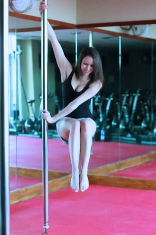 Chair Spin Pole Dancing Pole Dancing Fitness Pole Moves