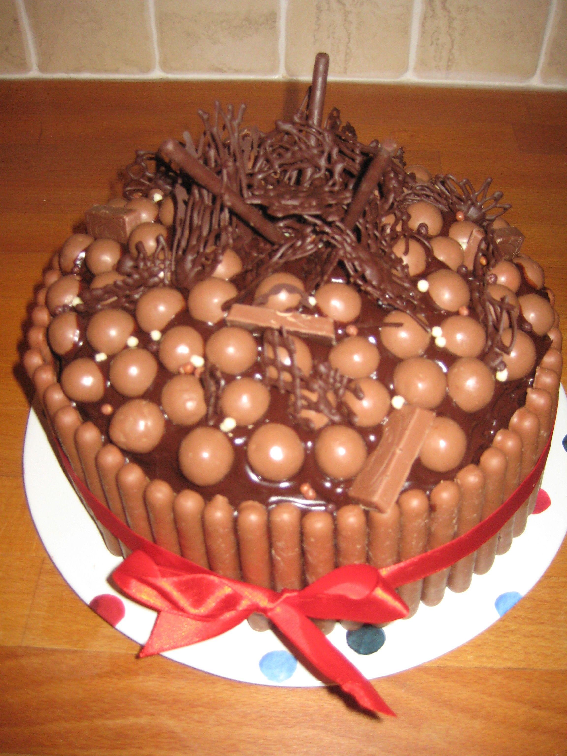 chocolates decorations ideas - Google Search | Easy cake ...