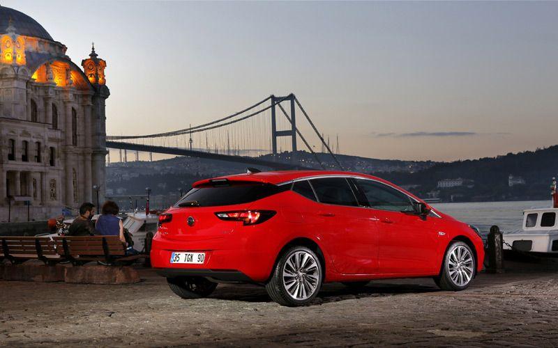 Opel In Hedefi Yeni Astra Ile Liderlik Liderlik