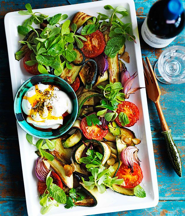 vegetable salad with yoghurt