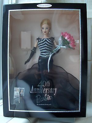 40th Anniversary Barbie 1999  NRFB - HARD TO FIND - UNSTREAKED LIGHT BLONDE HAIR https://t.co/jXLrcFF59p https://t.co/yDjL47vuc0