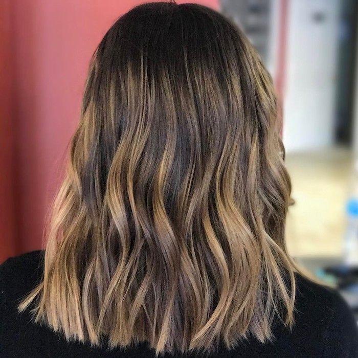 frisuren mit braunen strähnen