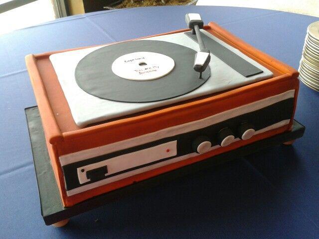 record player cake cake pinterest schallplatte und deko. Black Bedroom Furniture Sets. Home Design Ideas