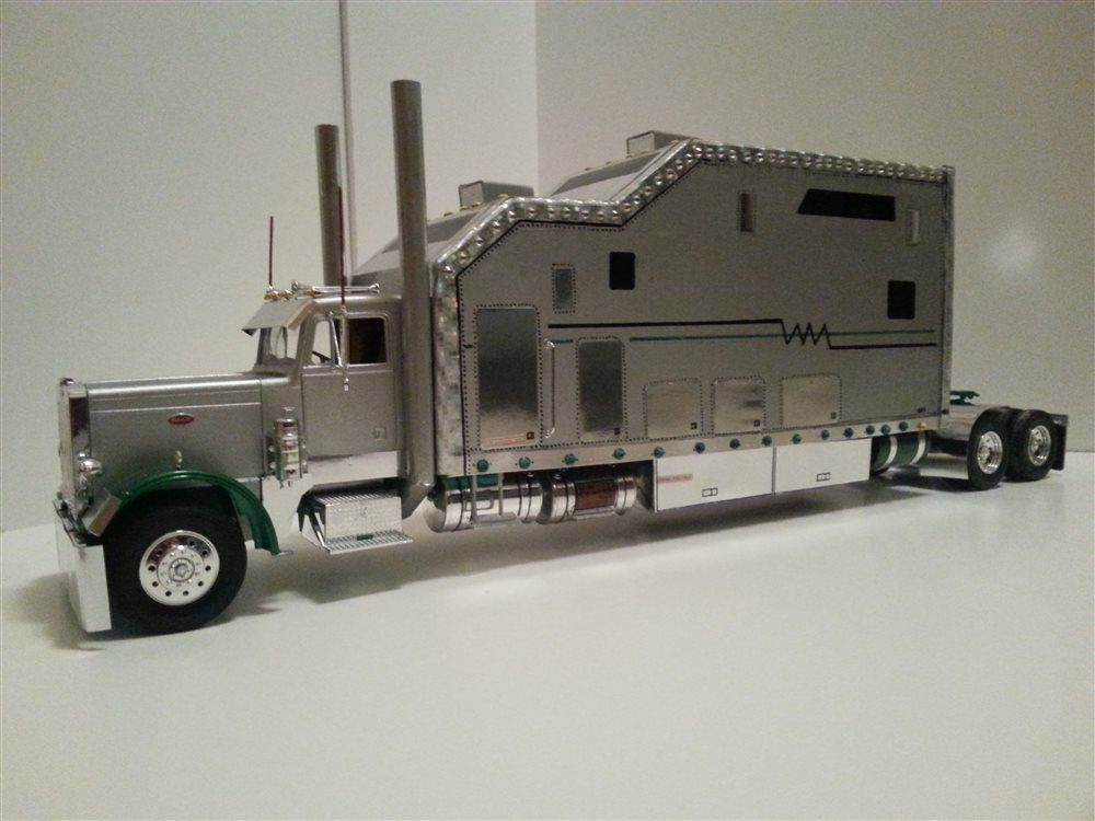 Scale 1/25 peterbilt 359 large-car - Scale Auto Magazine - For building plastic & resin scale model cars, trucks, motorcycles, & dioramas
