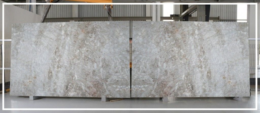 Cristallo Quartzite Natural Stone Slabs Are A Striking Combination Of Icy White And Gold This Beau Granite Countertops Kitchen Kitchen Countertops Countertops
