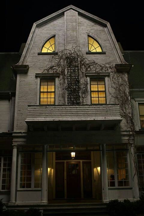 Amityville House Movies Movies Movies In 2018 Pinterest