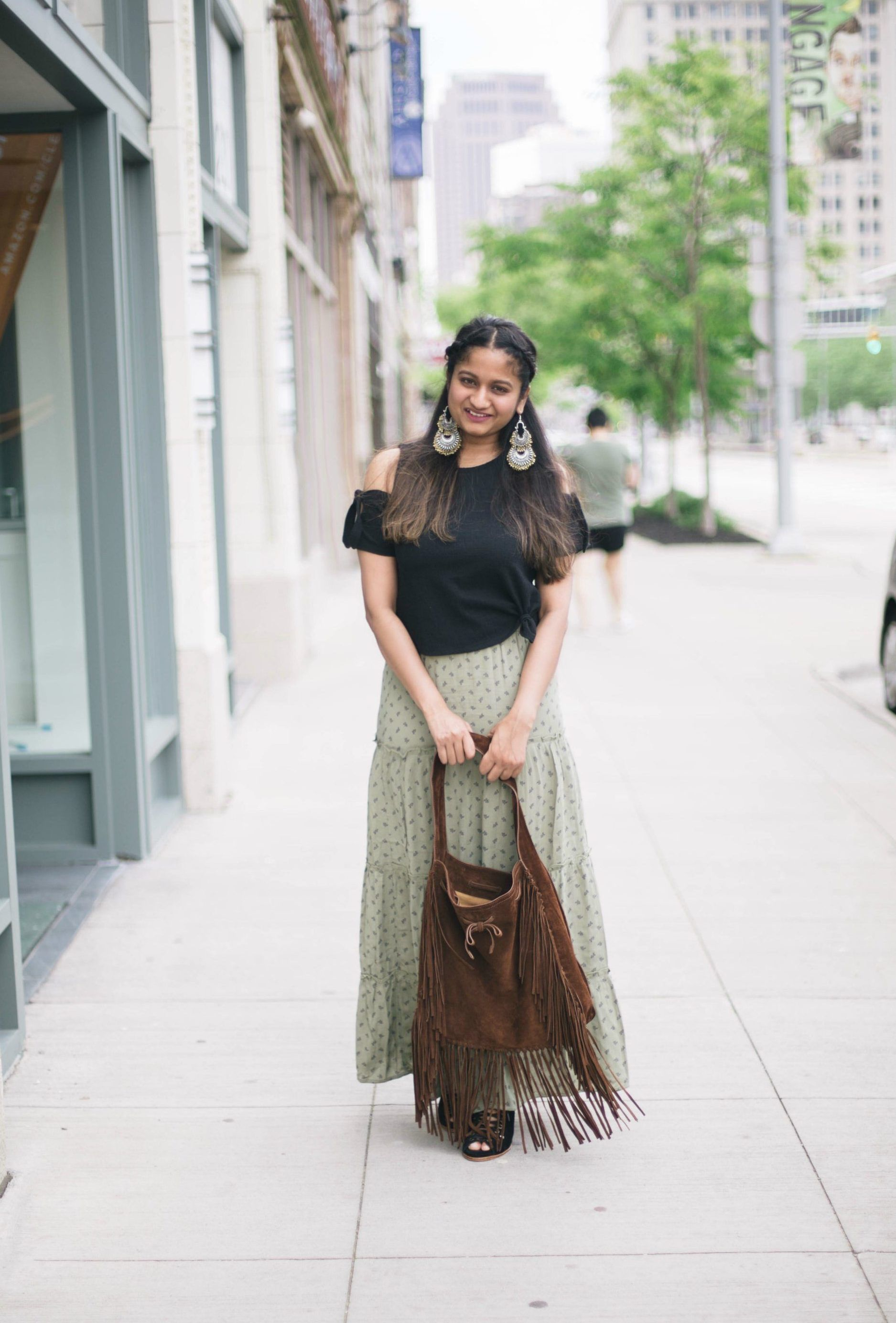 ac476cc8c32cb Tips to wear maxi skirts for petites- dreamingloud.com