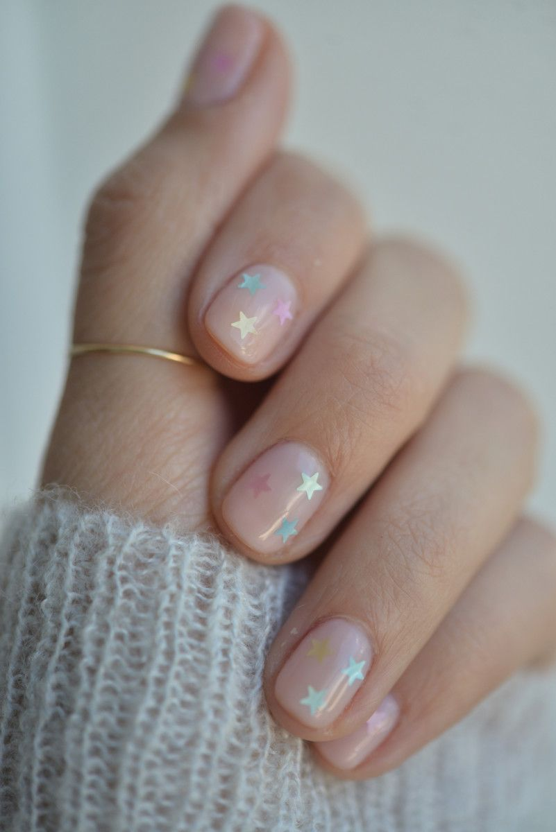 How to Do the Prettiest (Yet Subtle!) Nail Art at Home | Subtle nail ...