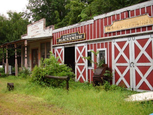 Abandoned Buildings Inside Joyland In Wichita Ks Joyland Amusement Park Abandoned Buildings Abandoned
