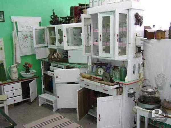 Retro Kuchnia Z Lat 70 Meble Ktore Dzisiaj Okresla Sie Mianem Awangardy Furniture House Decor