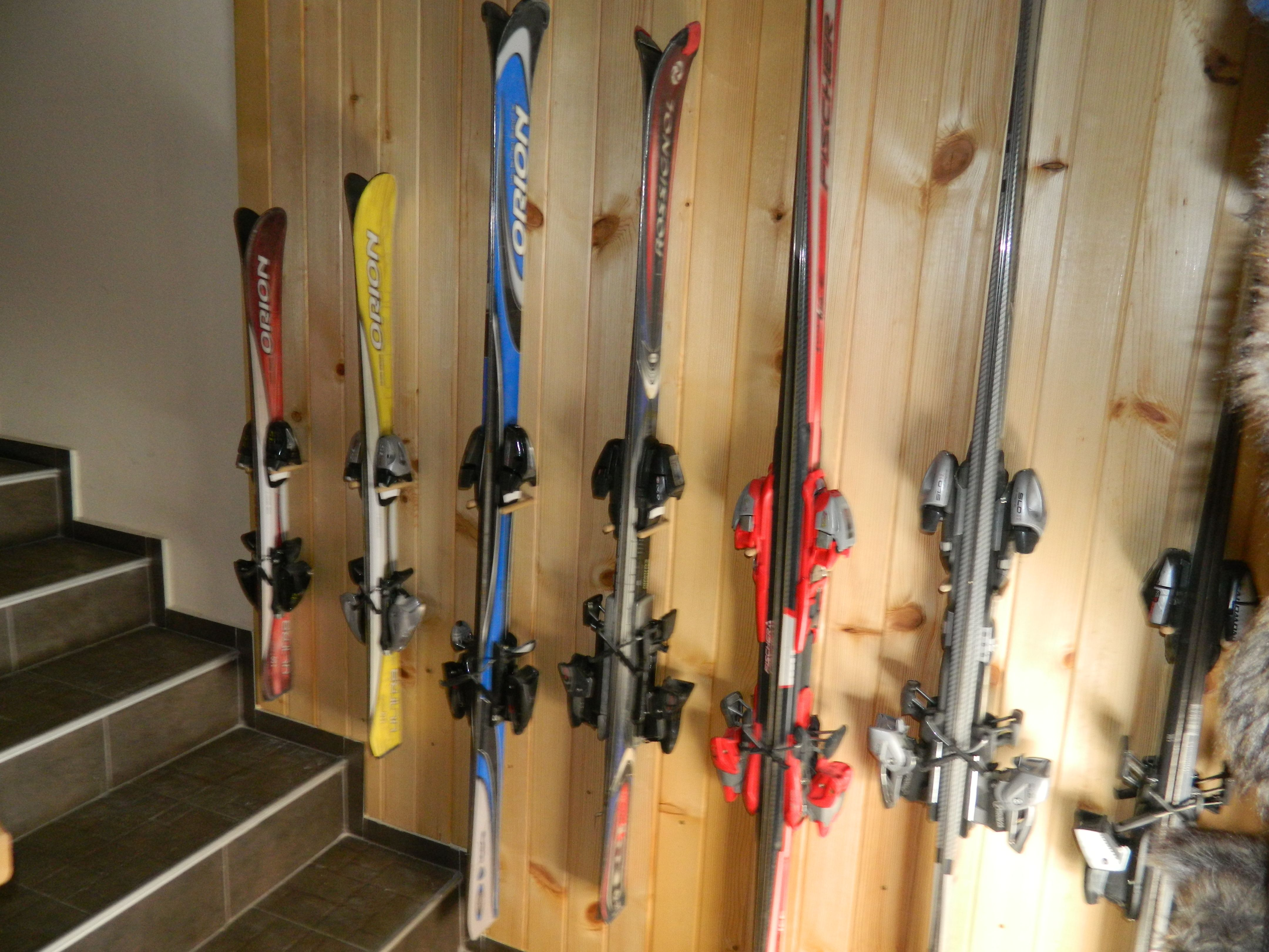Vintage Skis Wall Storage Thumbs Thumbs Wall Ski Make Your Own Beautiful  HD Wallpapers, Images Over 1000+ [ralydesign.ml]