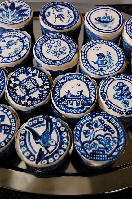 Delft, (Blue Willow) Hand Painted cupcakes by artistacakes, via Flickr