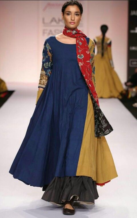 Pin By Ramaa On New Indian Style Dress Ups Indian Designer Outfits Lakme Fashion Week Fashion