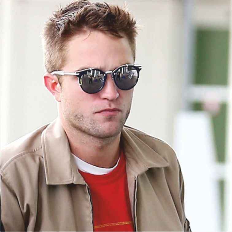 7d200ea15dd9a Twilight actor Robert Pattinson was seen in Nice Airport wearing Dior Homme  sunwear style Dior 0196