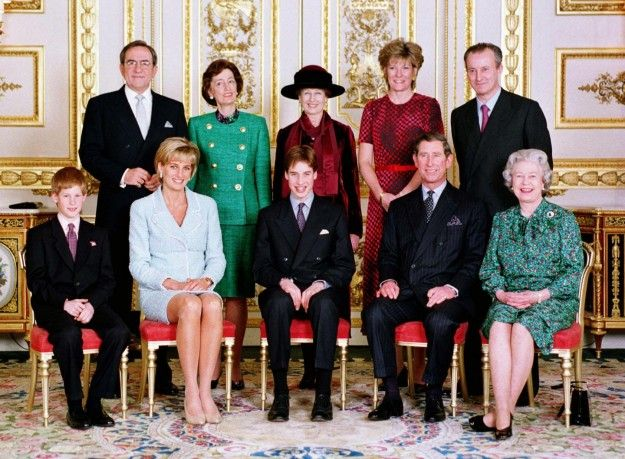 Foto Natale Famiglia Reale Inglese 1990.Lady Diana Con La Famiglia Reale Lady Lady Diana Royal Family