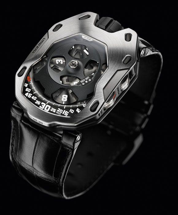 Die Uhr mit Details in Rosé Gold und schwarzem Lederarmband