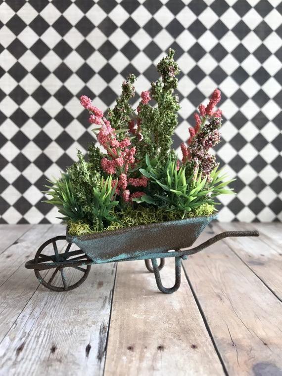 Miniature dollhouse planter, dollhouse garden flowers, miniature wheel barrow #miniaturedollhouse