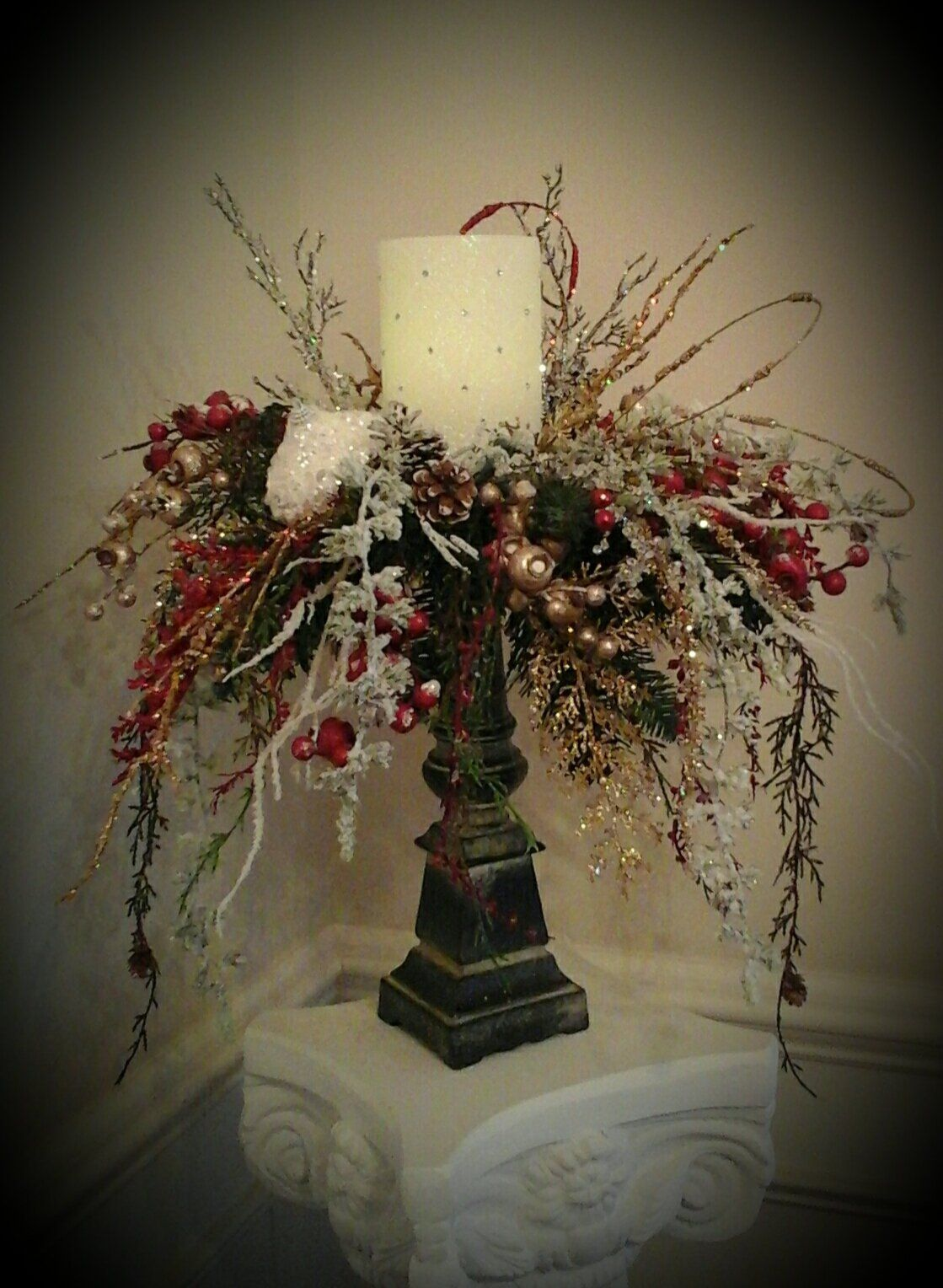 Christmas Floral Arrangement Elegant Rustic Candle Ring Centerpiece Foyer Dining Christmas Floral Arrangements Christmas Flower Arrangements Rustic Candles