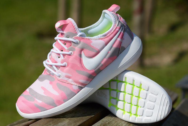 49033a184e618 Nike Roshe Two disruptive pattern 1