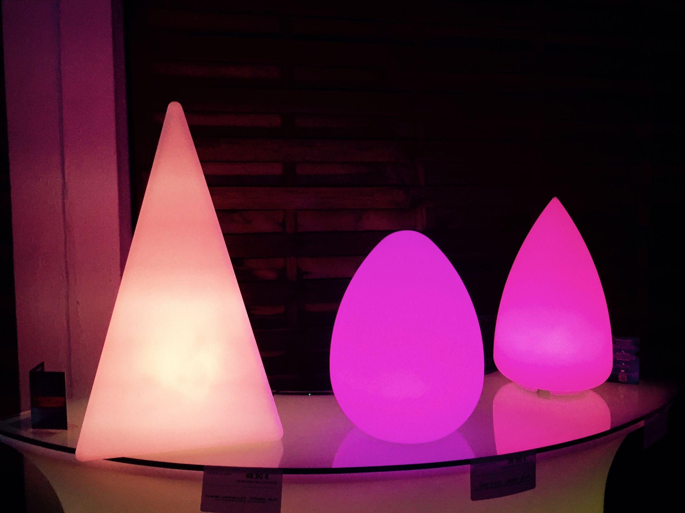 Lampes à poser multicouleurs by http://www.livedeco.com