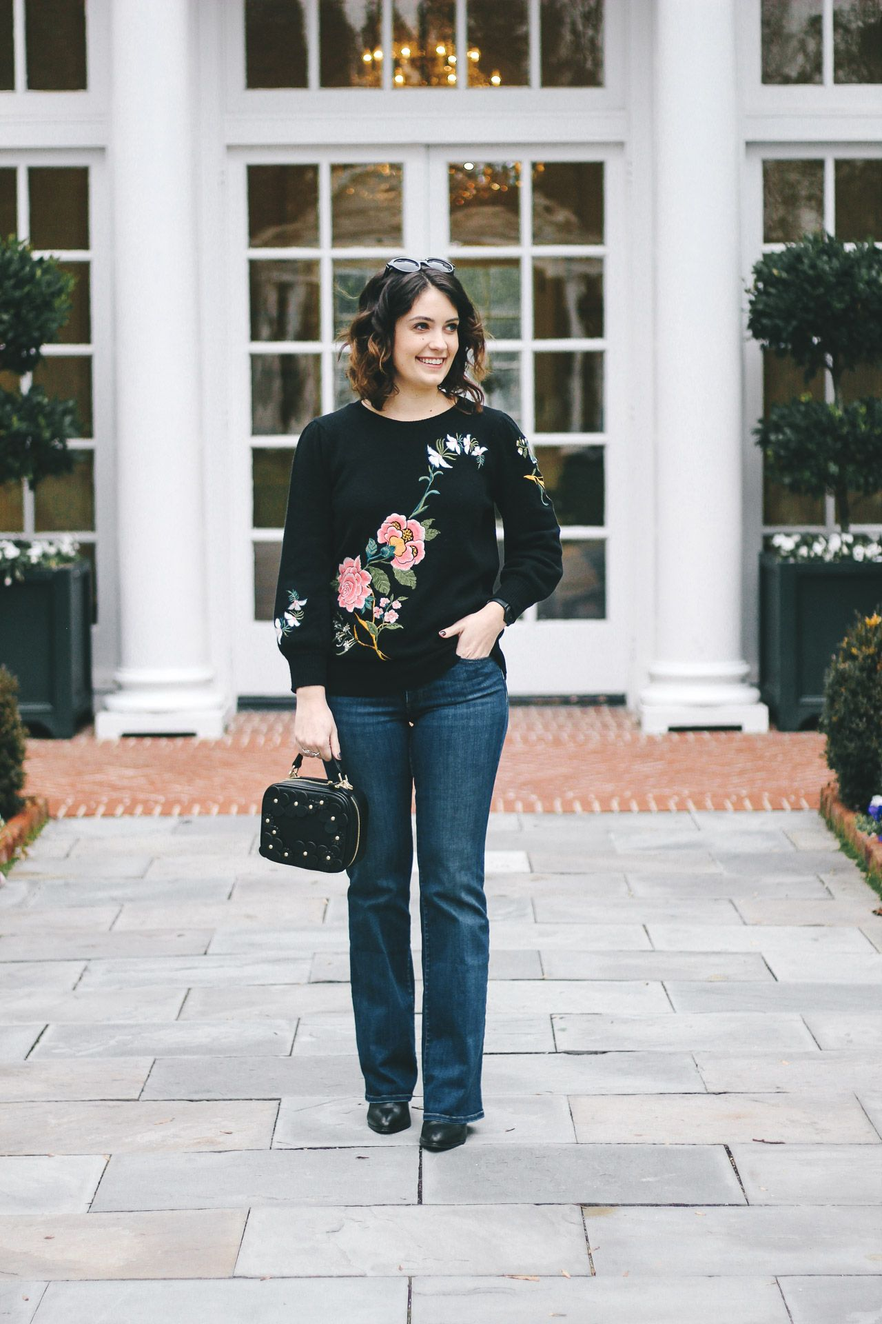 expensive looking affordable clothing, floral's done right, expensive looking clothes, floral embroidery, modern florals, loft sale, affordable style blogger