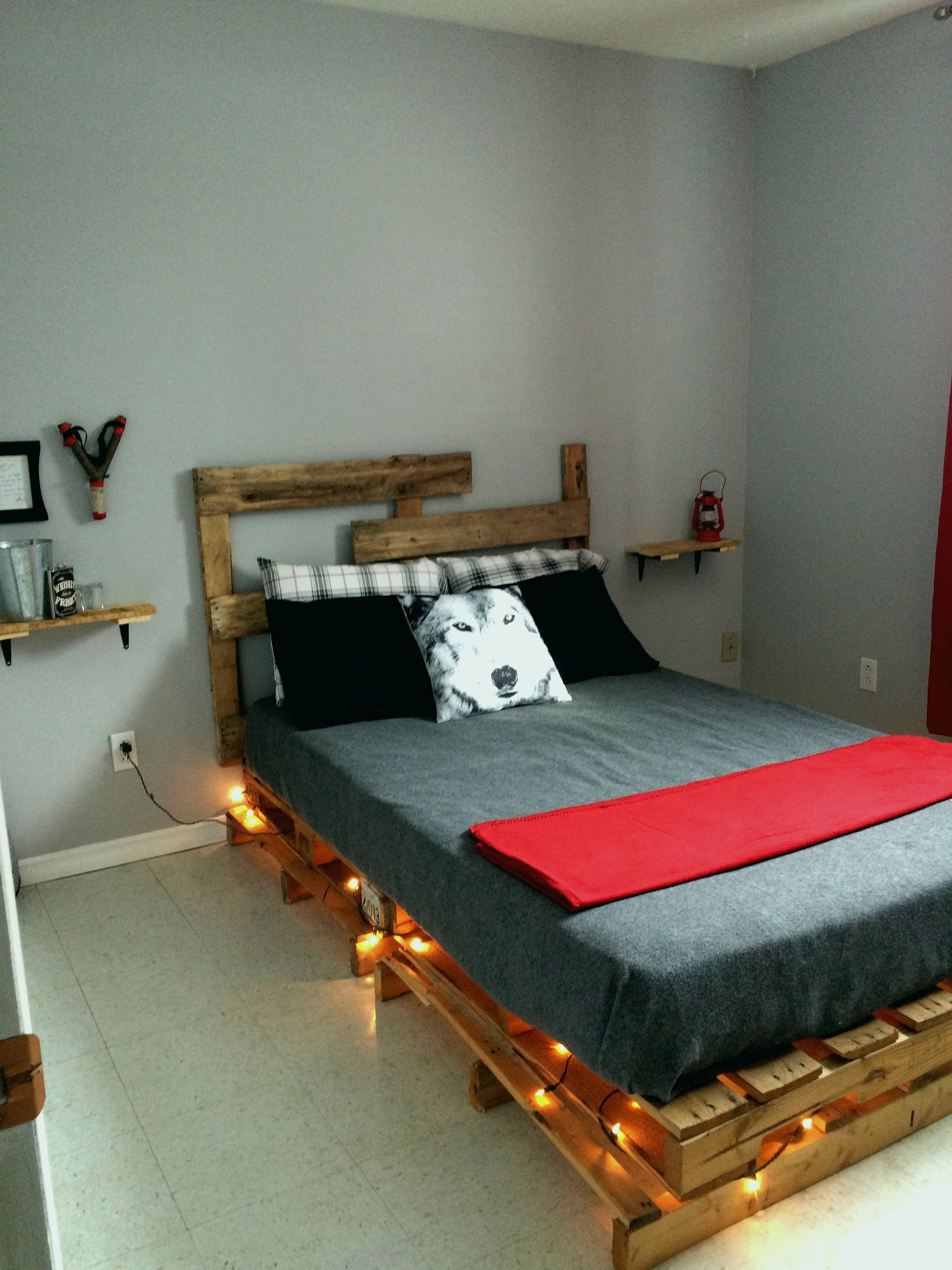 10 Best Diy Bedroom Project Furniture Decoration Ideas That Must Try Dexorate Pallet Furniture Pallet Furniture Bedroom Diy Projects For Bedroom