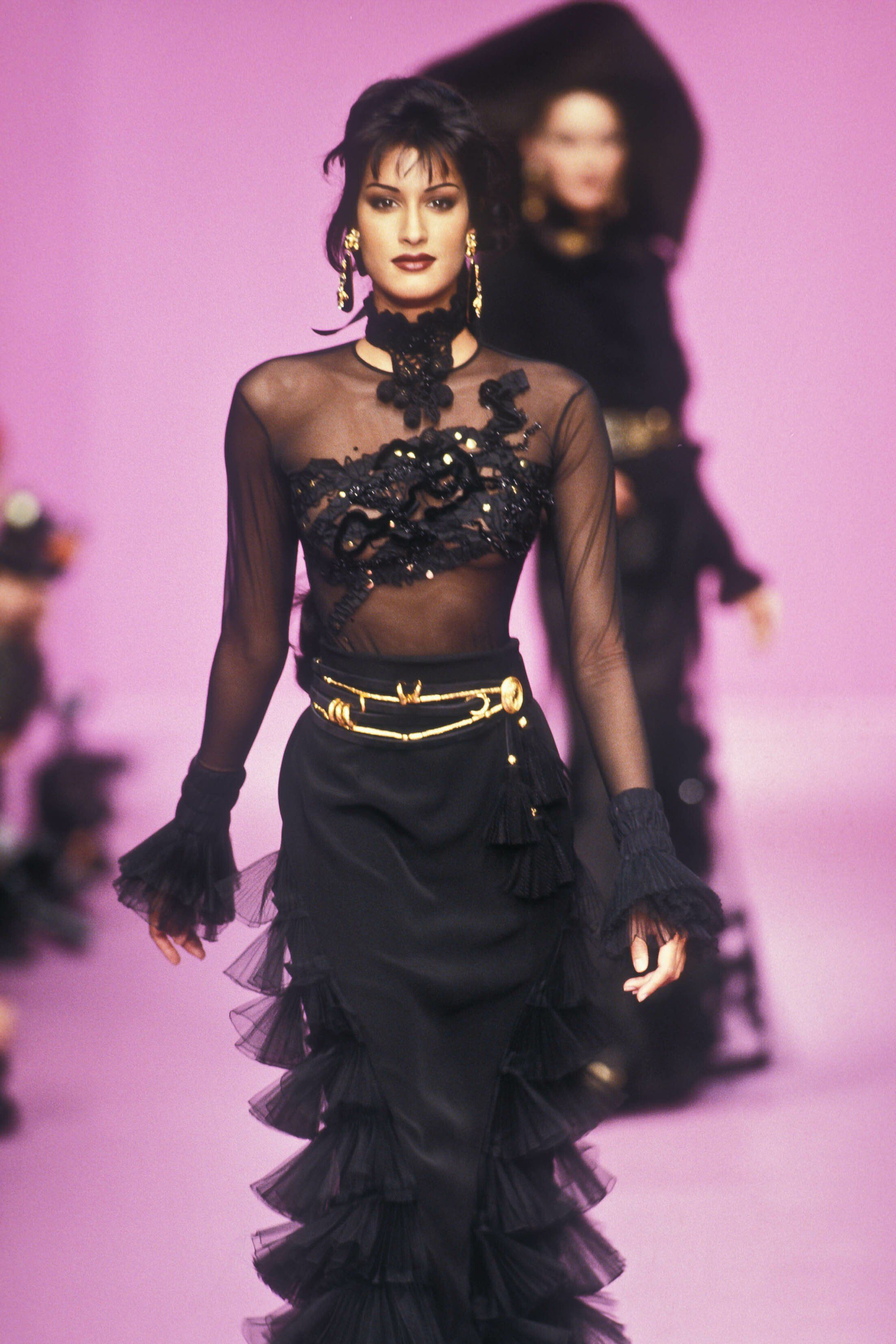 Beauty And Fashion Timeless Fashion Fashion High Fashion Couture