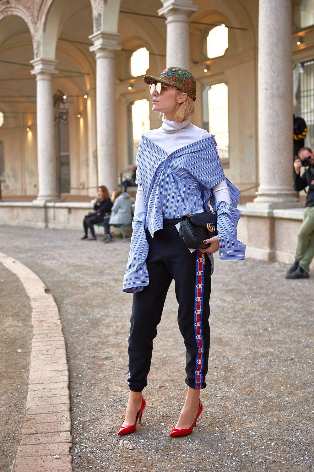hermo-Mix! Luftiges Streifenhemd und warmer, weisser Rolli. Rezept für Fashionistas  | #balenciaga #shirt #vetements_official #pants #gucci #cap #mfw