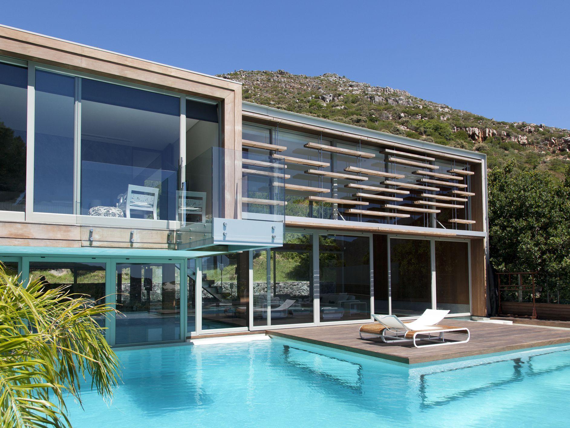 Xperties In Return On Investment In Kerala In 2021 Indoor Pool Design Modern Pools Luxury Pool House