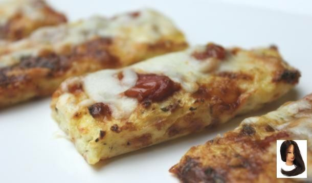 pizzas sticks Easy Pizza Sticks with a Healthy and Surprising Crust Les bâtonnets de pizza à la croûte de choufleur sont délicieusement dé...
