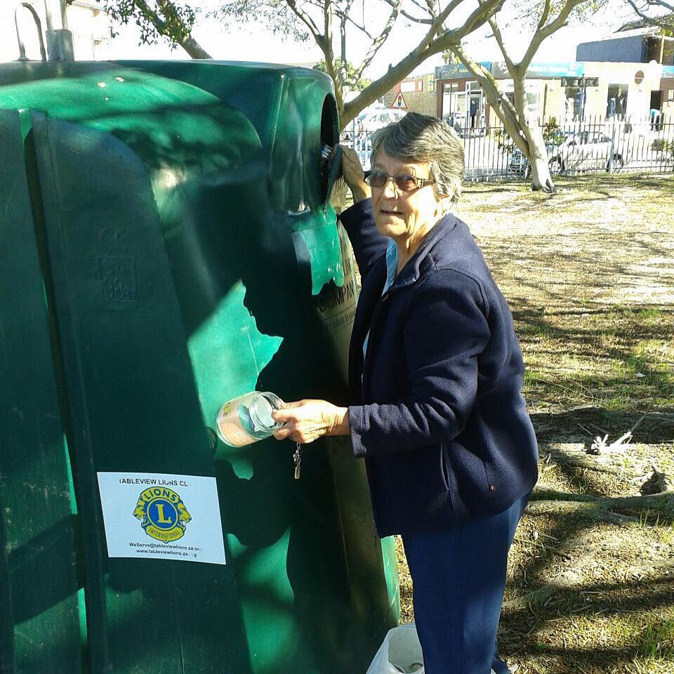 TableView #LionsClub facilitated a glass recycling container for the community. Recycling and caring for our #environment. #WeServe #LionsEverywhere #Lions100 #Recycling