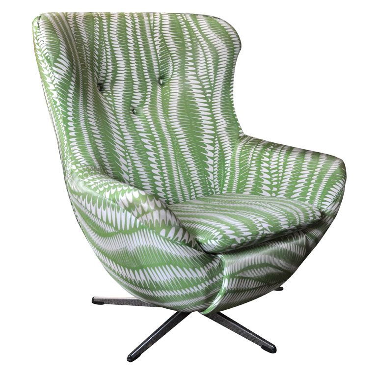 Cool vintage egg chair in green and white soft swirl